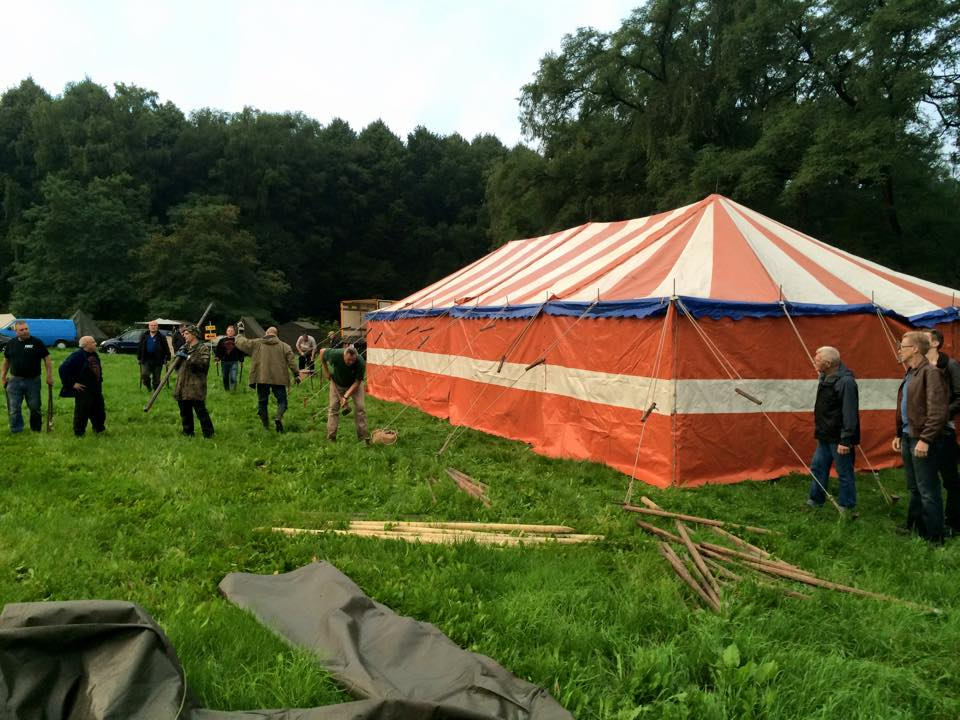 build-up-camp